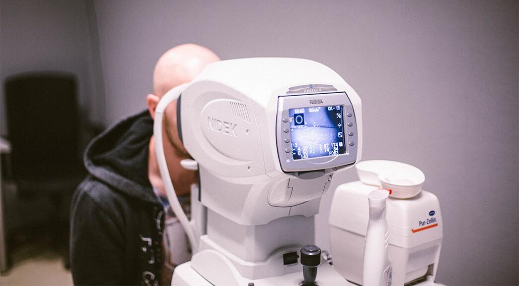 Badanie wzroku przed zabiegiem Lentivu